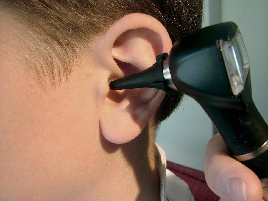 Как лечить простуженное ухо в домашних условиях
