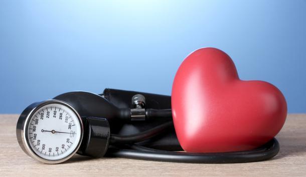 Principales factores de riesgo y opciones de tratamiento para la presión arterial alta