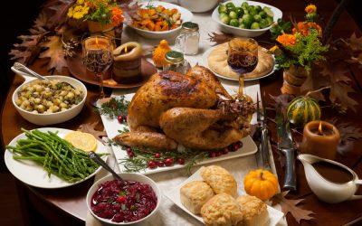 ¡Feliz día de Acción de Gracias de parte del Pasadena Health Center!